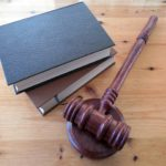 Hiring a Lawyer vs. Representing Yourself: Which Offers the Best Value?