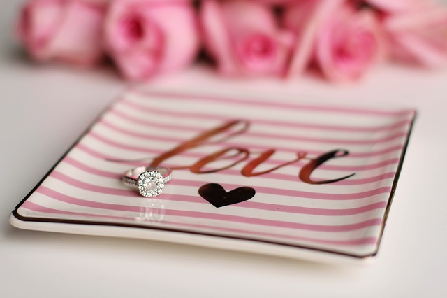 How Much Should You Budget for an Engagement Ring?
